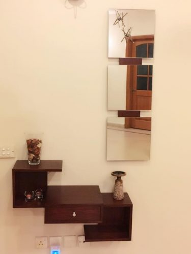 Las! Hallway/Dresser Shelf with 3 Square Mirrors Frame photo review